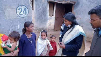 Photo of जशपुरनगर : बगीचा के दोनो पहाड़ी कोरवा बच्चियां पूरी तरह स्वस्थ्य : एसडीएम बगीचा सुश्री कुजूर ने बच्चियों से मिलकर ली स्वास्थ्य संबंधी जानकारी