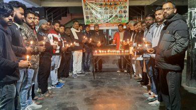 Photo of भाजपा युवा मोर्चा के कार्यकर्ताओं ने स्थानीय बस स्टैंड में पुलवामा हमले में शहीद हुए देश के वीर शहीदों को श्रद्धा सुमन अर्पित करते हुए श्रद्धांजलि दी