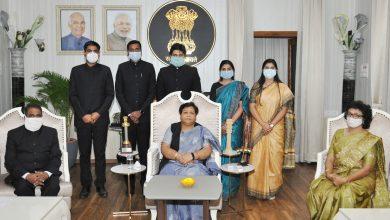 Photo of रायपुर : राज्यपाल से भारतीय प्रशासनिक सेवा के परिवीक्षाधीन अधिकारियों ने की सौजन्य मुलाकात