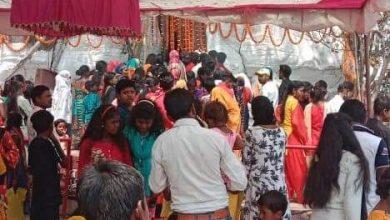 Photo of सूरजपुर: महाशिवरात्रि पर भोड़िया बाबा धाम में श्रद्धालुओं का उमड़ा जनसैलाब।