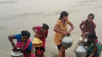Photo of गरियाबंद : 300 ग्रामीणों के लिए दो नलकूप, नहर,तालाब की पानी से प्यास बुझाने को मजबूर ।